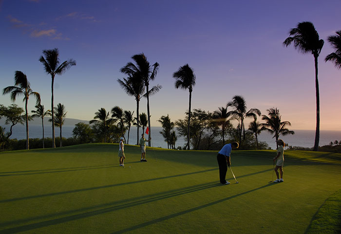 golf-Wailea-Gold_Last-putt